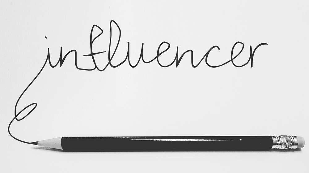 analfabetismo di ritorno e influencer