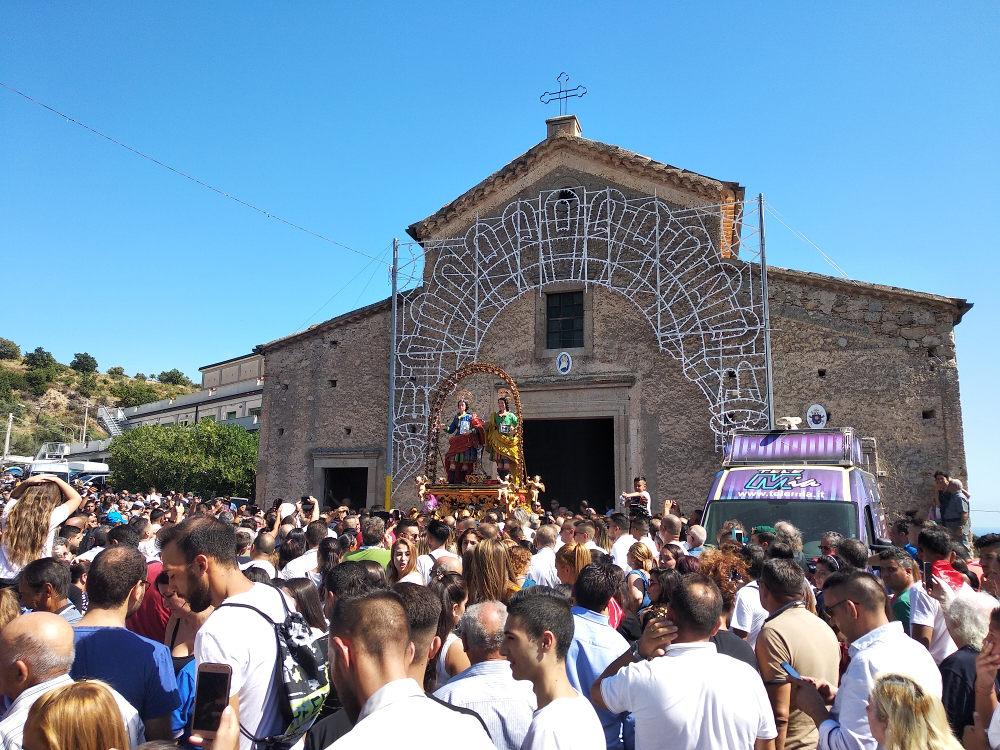 processione medici riace tarantella